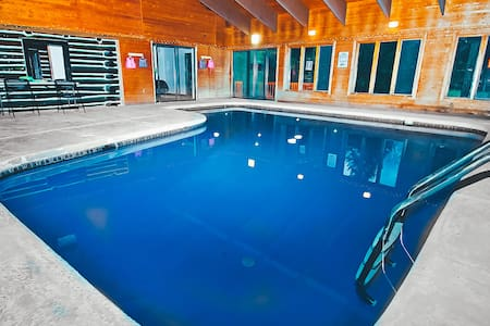 Bushkill Creek Lodge (Indoor Pool) - East Stroudsburg - Huis