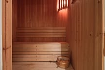 Sauna with a space for 4+ persons.