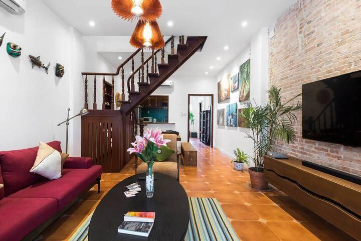 Charming 2BR Apartment ★ Steps to TAKASHIMAYA