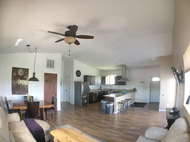 Peaceful Private Apartment on the Lazy J Ranch