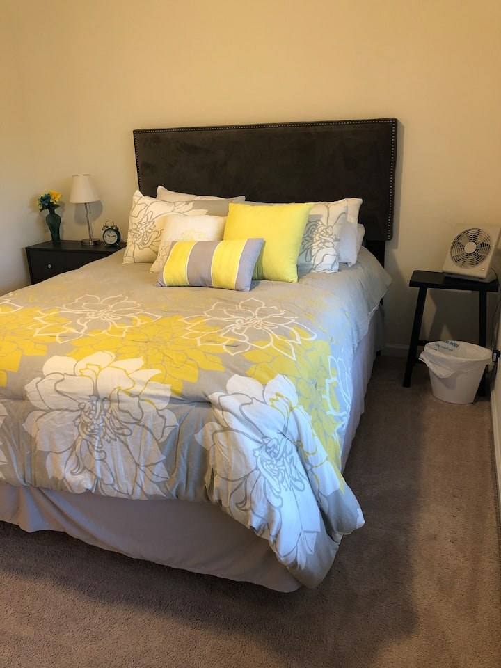 Room rental close to downtown and beaches