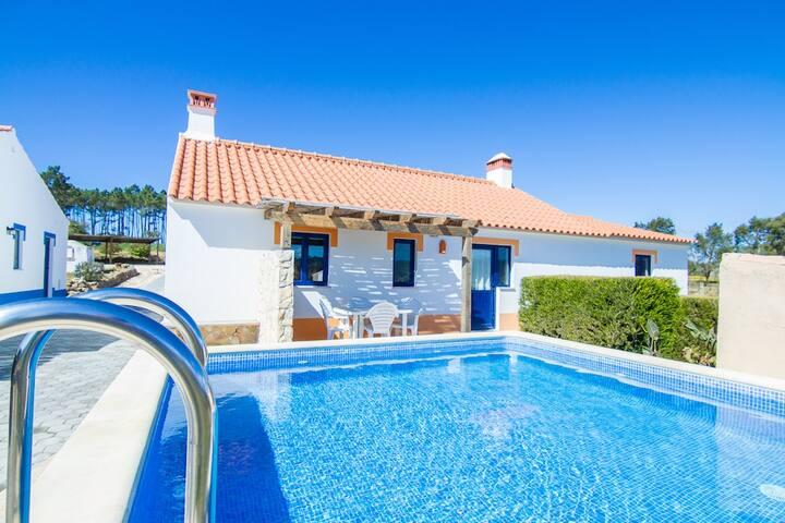 Digne Orange Villa, Aljezur,Algarve