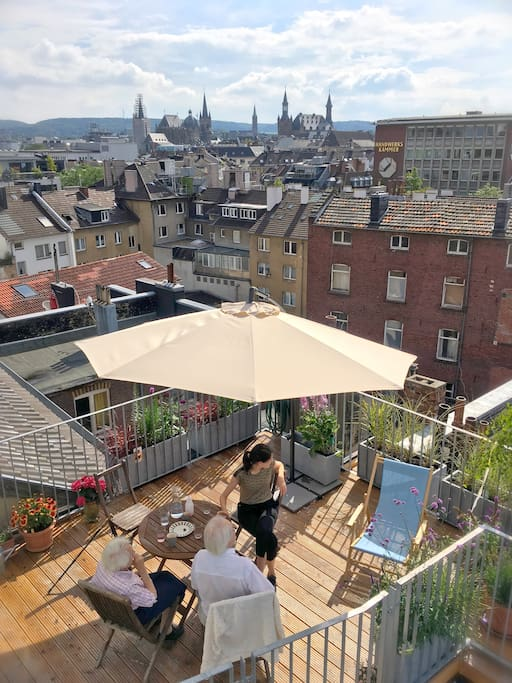 Blick auf Dom und Rathaus // terrace with cathedral view