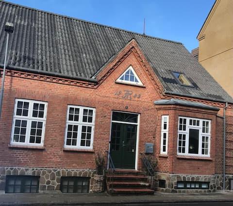 Fredet hus i Brande fra 1923 med masser af charme