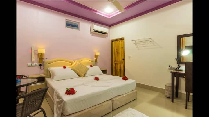 Your PVT romantic home in the Maldives with locals