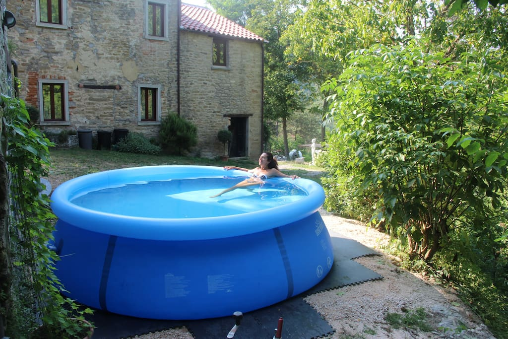 Refreshing Plunge pool (3 mt diameter). Only in summertime.