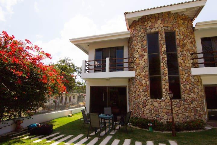 Stunning 3 BR/3BA Townhouse El Palmar / San Carlos