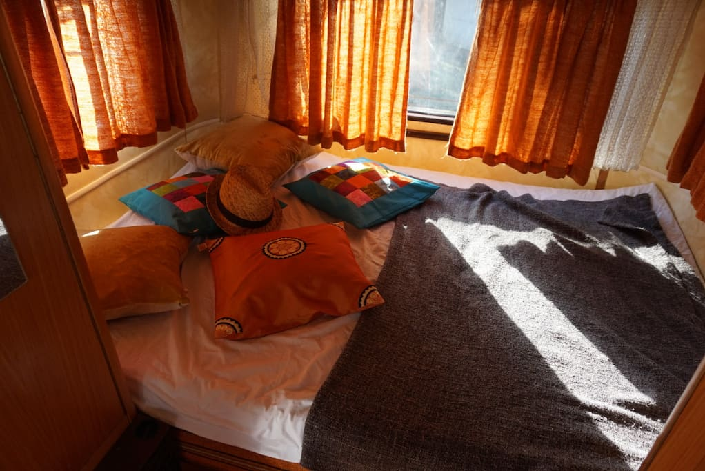 lit et sur matelas