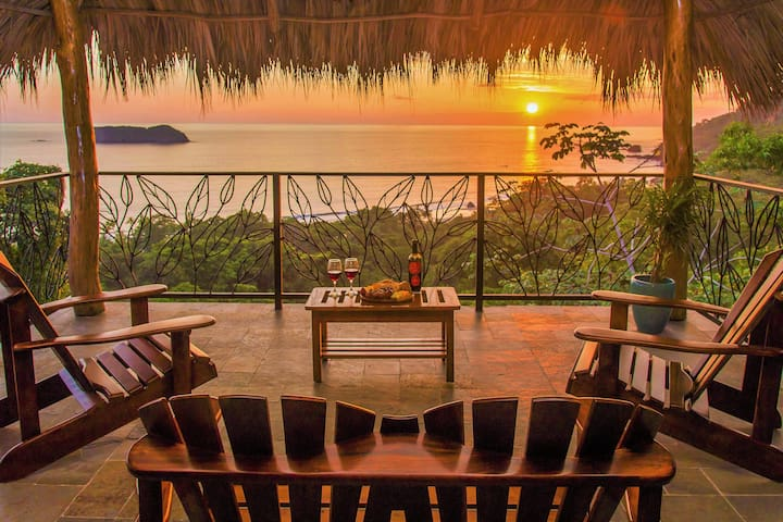 Closest large villa to the National Park & beach - Quepos - Villa