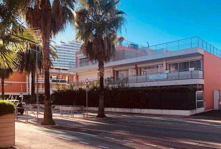 Beau Studio 3* en bord de Mer & parking privé