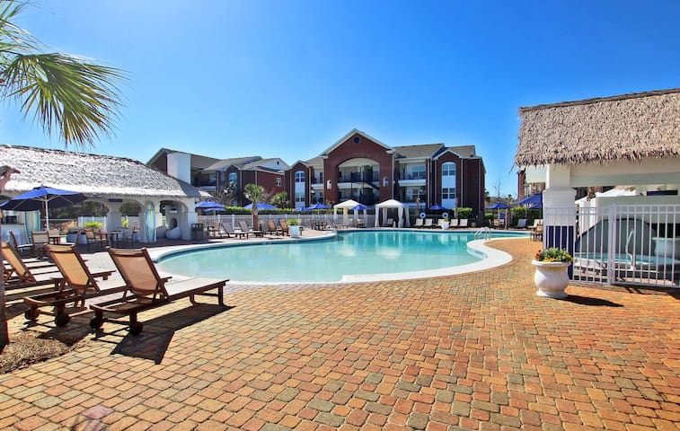 One Club 3601 - Beautiful condo located on Golf Course!