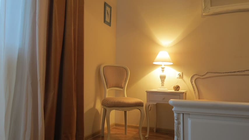 romantic apartment! special price.with surprise!!! - Tbilisi - Apartment
