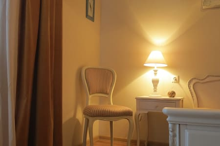 romantic apartment! special price.with surprise!!! - Tiflis - Wohnung