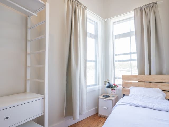 Modern 2-person room near Subway in Bushwick