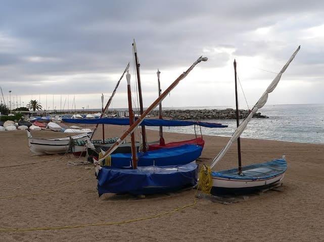 Tu espacio de mar y sol cerca de Barcelona