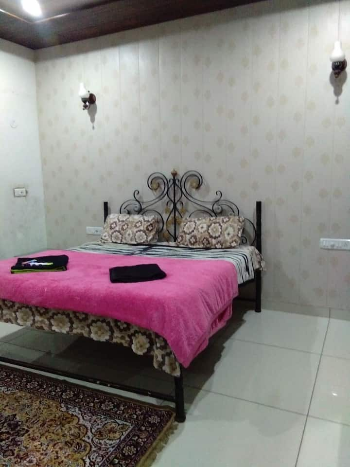 Oasis apartment one room set