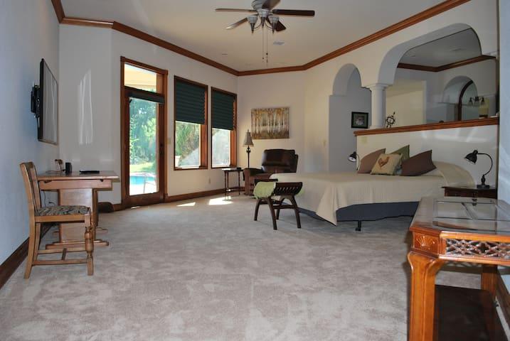 Mediterranean Style Luxury Bedroom w/Pool