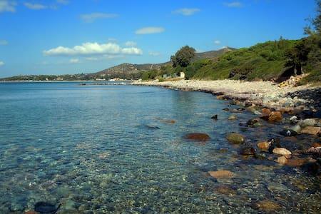 Azzurra 50 mt dal mare fra Cagliari e Villasimius