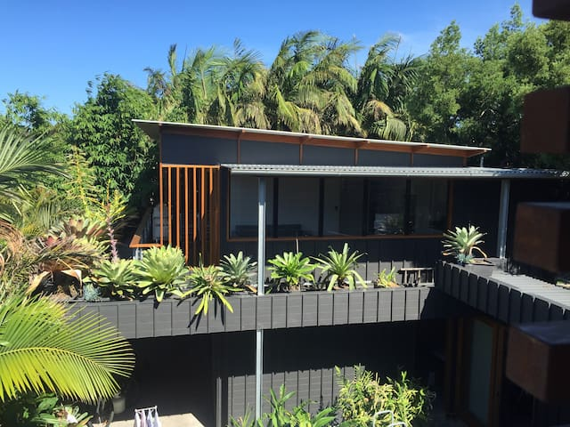 Narrabeen Beach Tropical Hideaway - Narrabeen - Casa