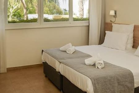 Hotel room on the Sea of Galilee! - Kinneret - アパート