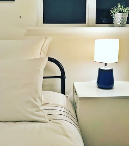 Single room in central location with free parking