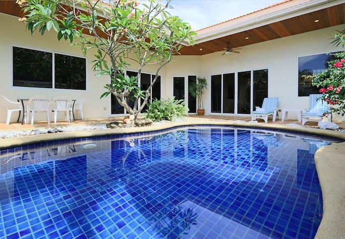 Villa Tortuga Pattaya 17M - パッタヤー - 別荘