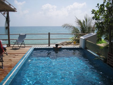 COCOBEACHCABANA/PRIVATE POOL/ AMAZING BEACHFRONT