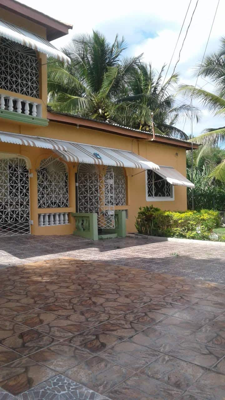 Jamaica Single family 5 bedroom 4 bathroom house