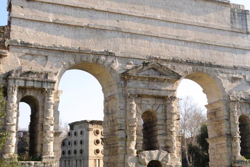 Arco di Porta Maggiore 300 mt