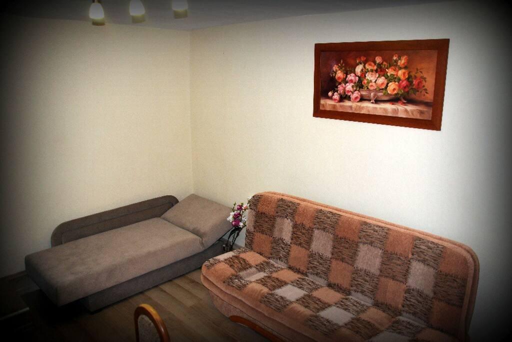 salon z dwoma łóżkami 2+1