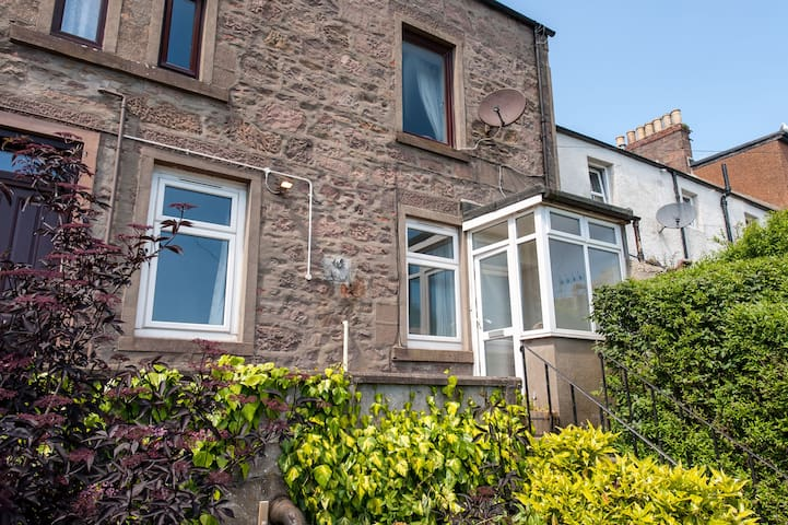 Self contained garden flat in central location.