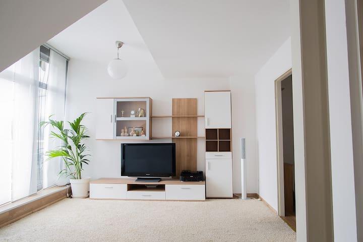Sehr helle Studio Wohnung im Herzen 40699 Erkrath