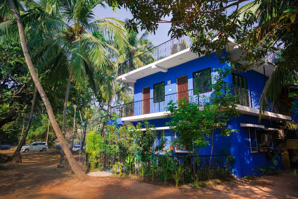 Away from the hustle bustle but just 5 mins from Candolim Beach.