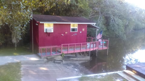Small fishing cabin on Choctawhatchee River