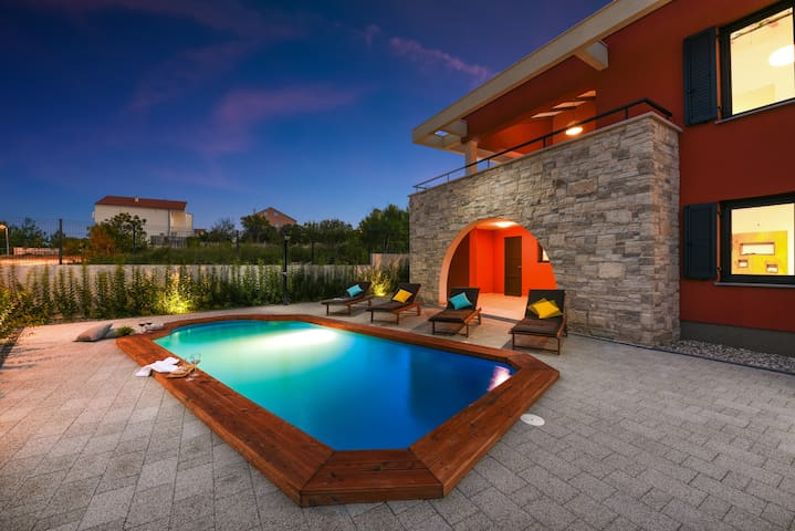 New villa Iris just 150m from beach, private pool