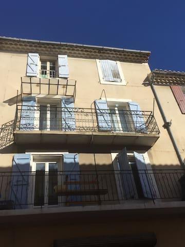 Appartement meublé Neuf au centre ville