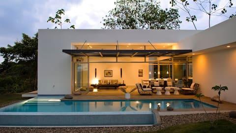 Casa Mariposa- your romantic private hideaway!