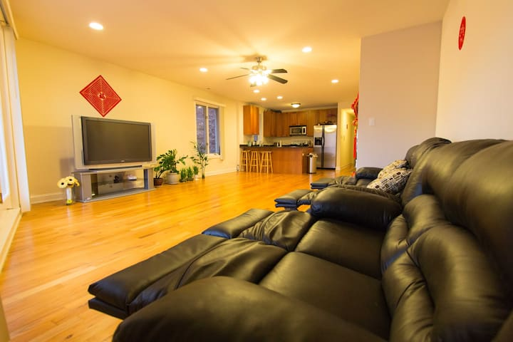 Large Modern 2ba/2br with easy transportation - Chicago - Apto. en complejo residencial