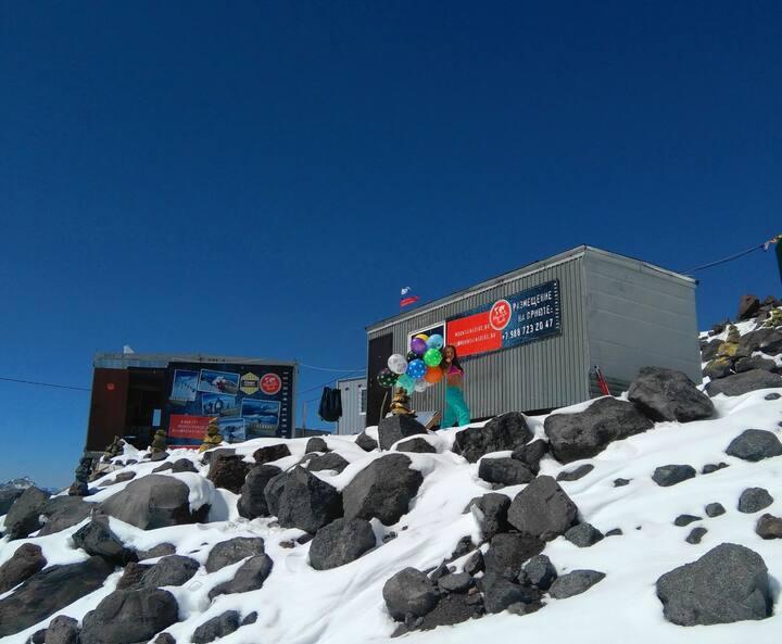 """База """"ВЕТЕР"""" на высоте 3780м. г.Эльбрус"""