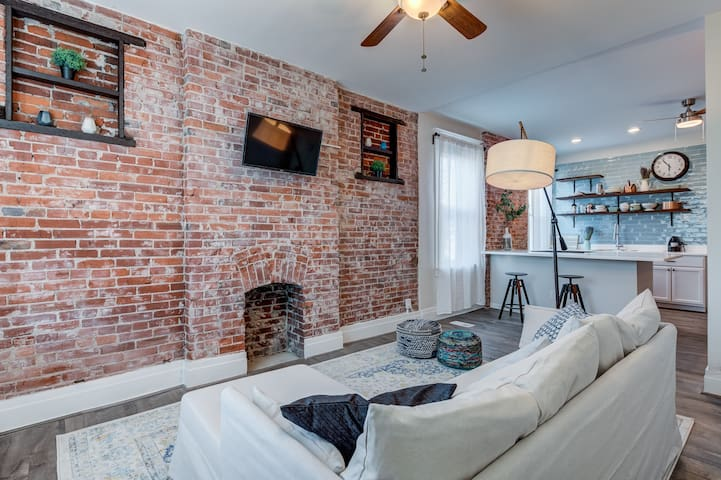 New & Pin-worthy: Family/Pet-friendly 1bdrm