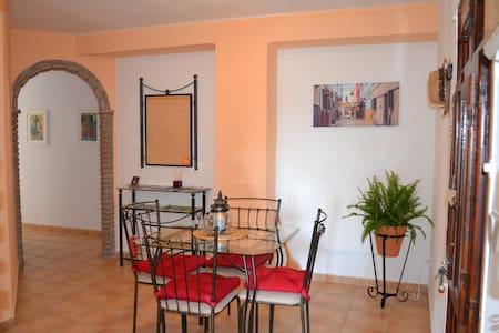 Casita el Jazmín, centre historique d'Álora