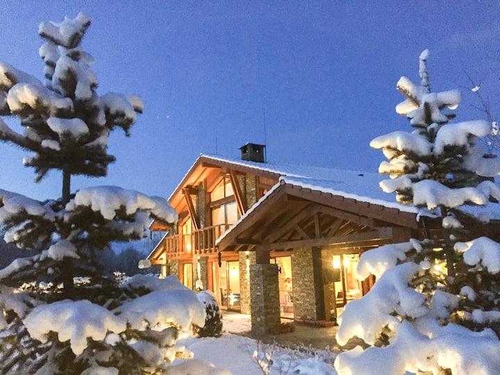 Luxury  Chalet and Spa Tia Maria near Bansko