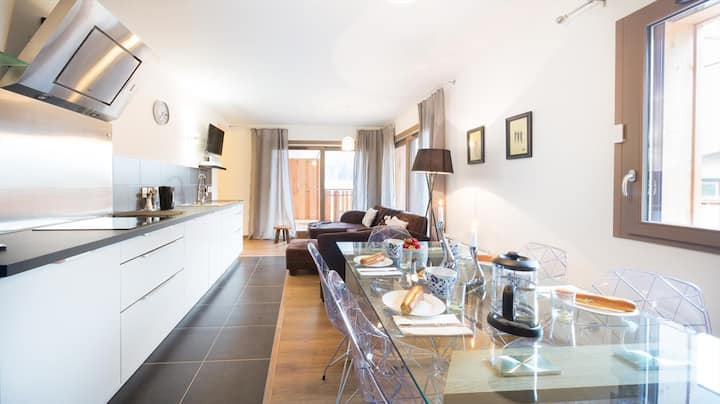 Apartment for 5pp - modern, close to center, 2 ba