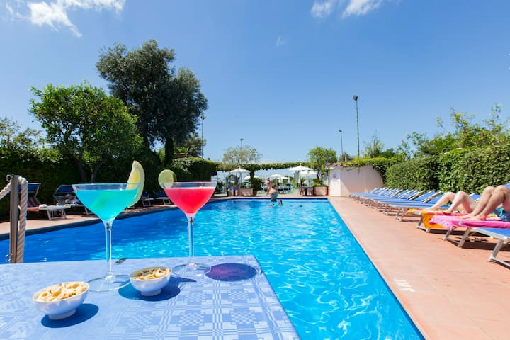 Beautiful accommodation with pool and roof terrace