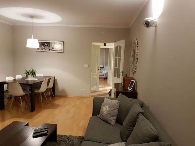 60m² Flat with free parking close to city center - Wola - Warszawa - Departamento
