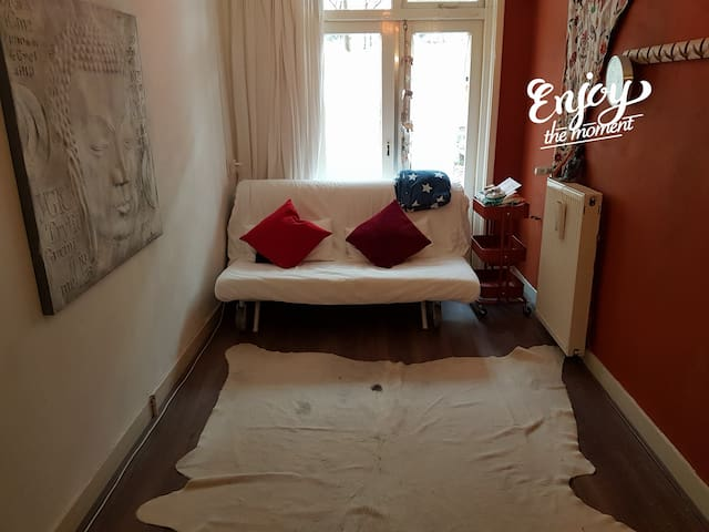 Meditative, peacefull, private room, gardenview