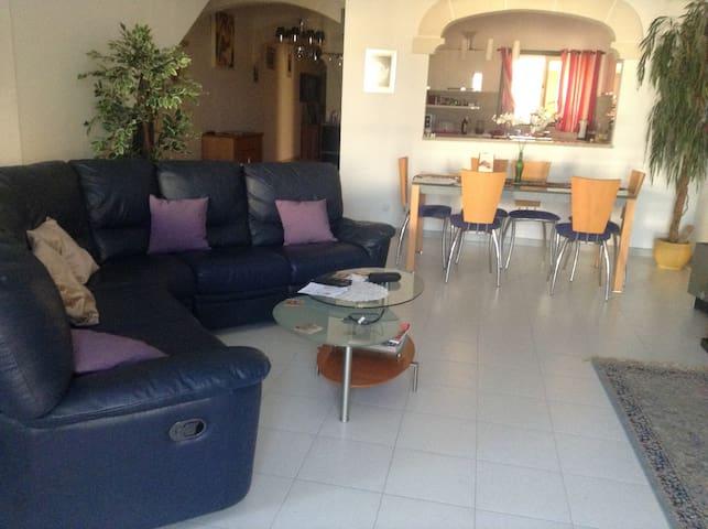 Casa Mariya