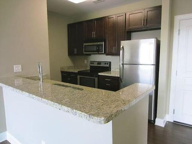 Loft w/ Movie theater and Much more !!! - Charlotte - Loft