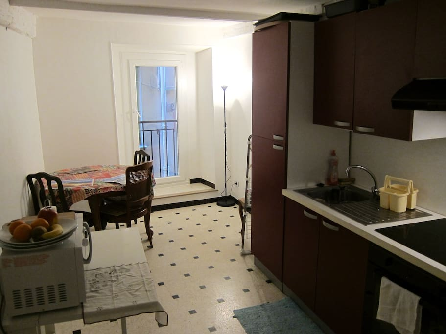Appartement partager chambre priv e vieux nice for Chambre a partager