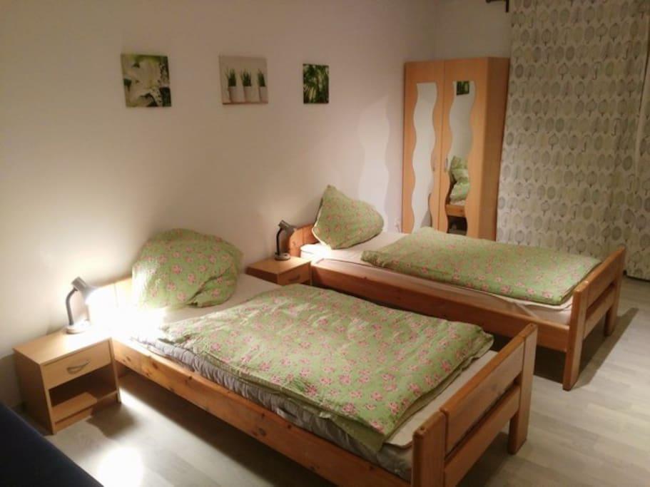Zimmer 1 / Room 1